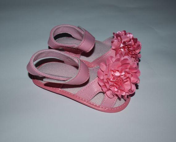 новые сандали для девочки с бантом на тканевой подошву swiggies оригин