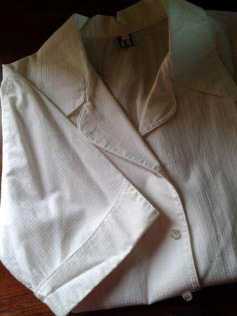 Blusa, lenços e perfume