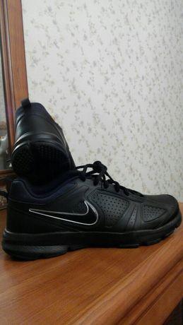 Новые Nike оригинал р.40 и 42