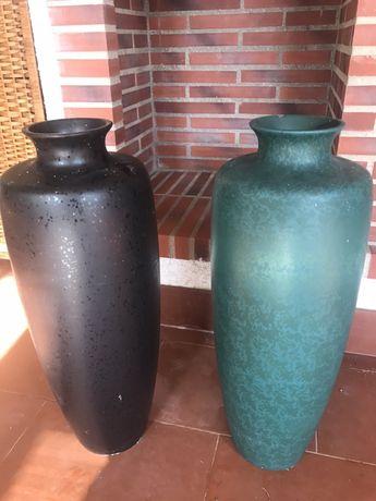 2 jarroes em ceramica bem grandes