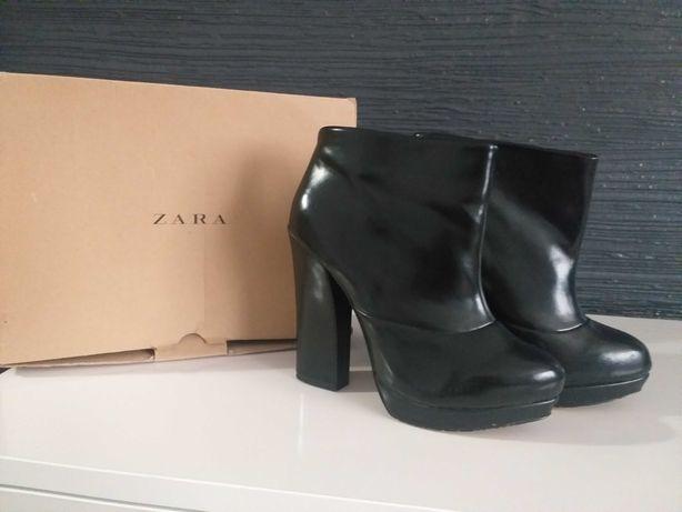 Стильні боти Zara