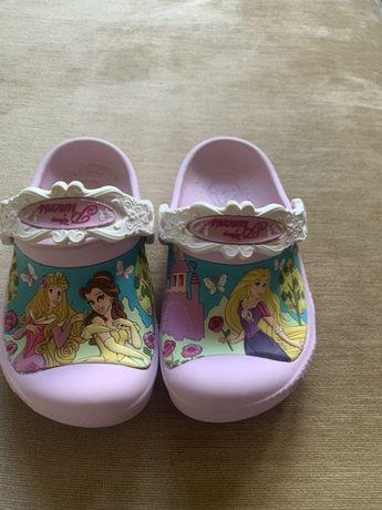 Crocs Disney кроксы для девочки с принцессами Disney