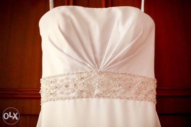 Suknia ślubna r. 36 34 biała skromna elegancka MonCheri długi tren