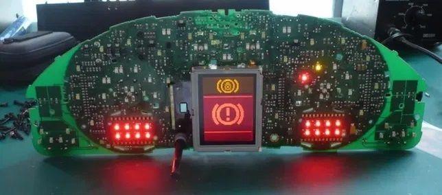 Экран (дисплей) приборной панели Audi A3, A4, A6, S6, ALLROAD, RS4 vdo