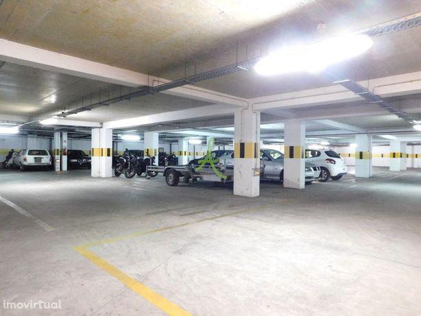 Lugar de Estacionamento - Quinta das Oliveiras