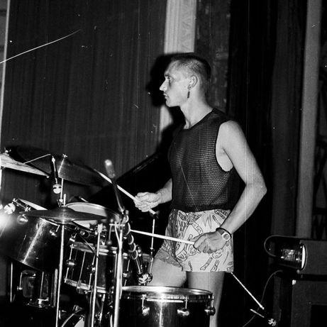 Группа ищет барабанщика