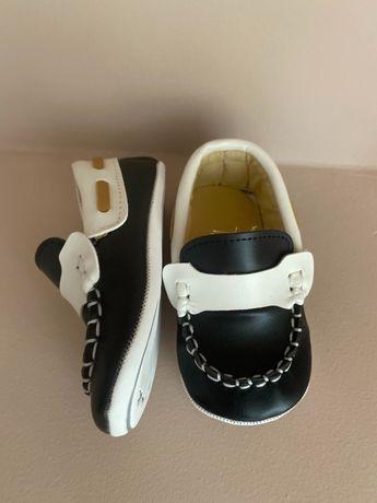 Дитяче взуття пінєтки