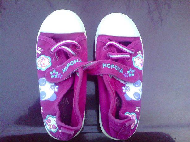 Продам кроссовки. 30 размера . на девочку.