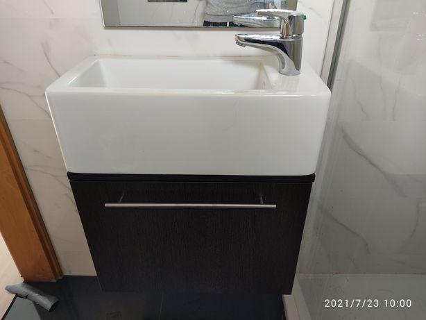 Móvel casa de banho com lavatório