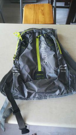 Nowy plecak hi-tec turystyczny odblaskowy mały