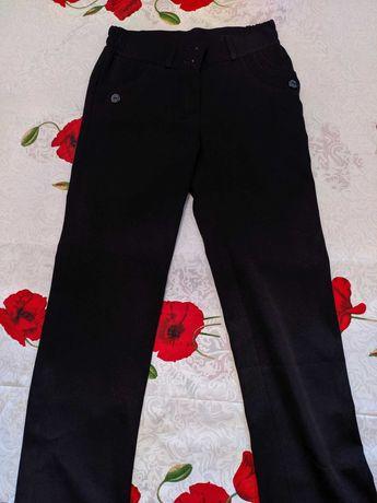 Новые черные джинсы и брюки на мальчиков и девочек