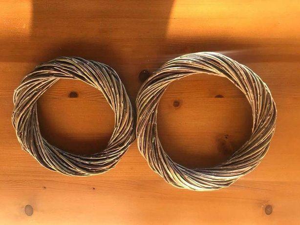 Віночки плетені з лози