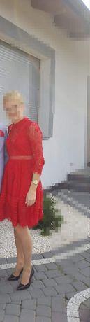 Sukienka czerwona koronka