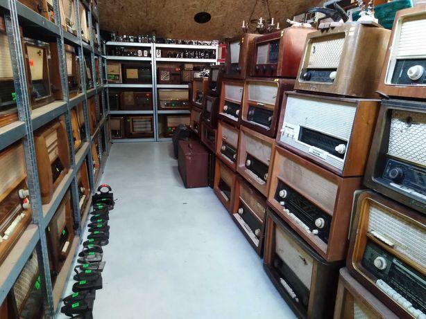 Kolekcja starych radioodbiorników lampowych-200 sztuk