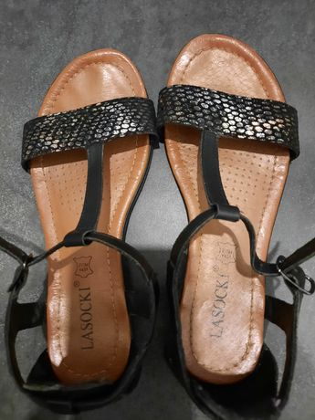 Sandały skórzane Lasocki 36