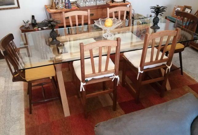 "Mesa de jantar ""Área"". Como nova."