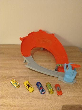 Hot Wheels tor wyścigowy z figurkami