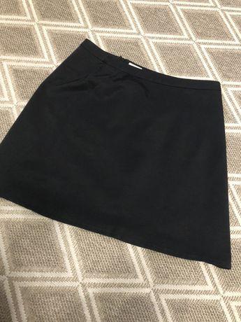 Spódnica marki Solar rozmiar 40 , połyskujący materiał