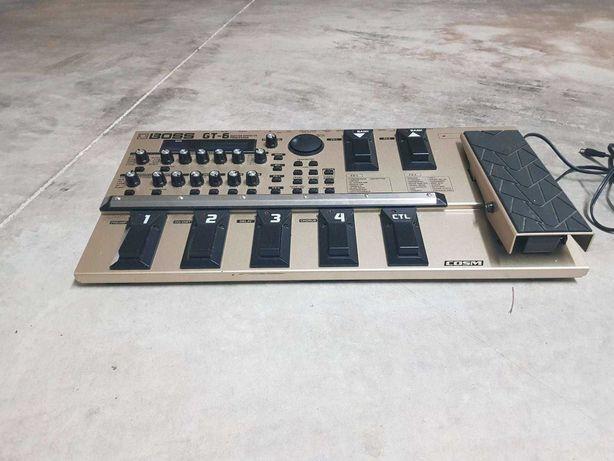 """""""Pedaleira"""" para guitarra eléctrica Boss GT-6 150€"""