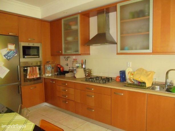 Apartamento moderno localizado em zona calma de Ferreira ...