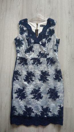 Granatowa sukienka z koronki 44