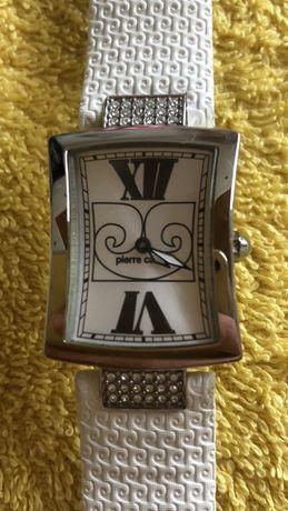 Часы женские Пьер Карден бу