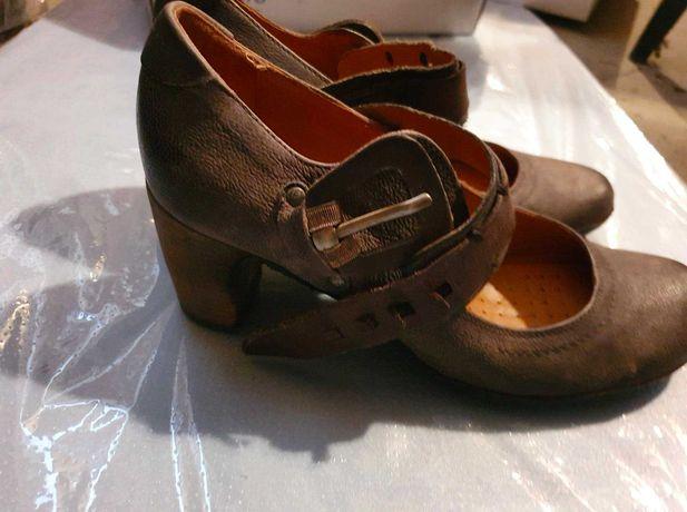 Nowe skórzane buty AirStep rozm. 40