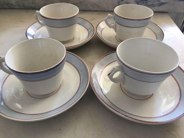 Conjunto de 4 chávenas de chá
