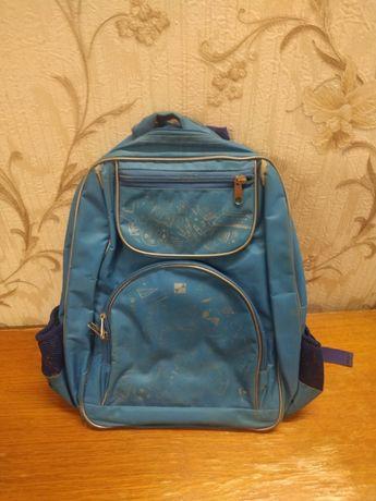 Рюкзак синий в хорошем состоянии