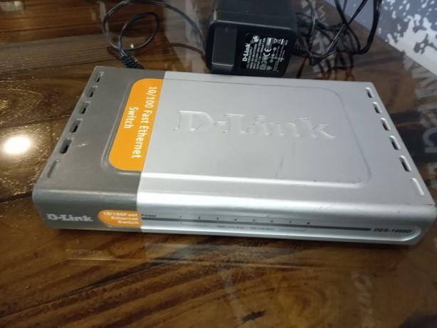 Неуправляемый коммутатор с 8 портами 10/100Base-TX D-Link DES-1008D