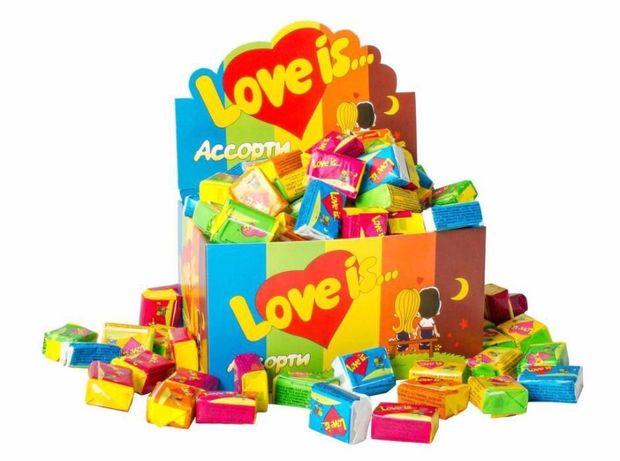Жвачки Love is блок ассорти. Супер подарок. Жуйки Лов із / Лав из