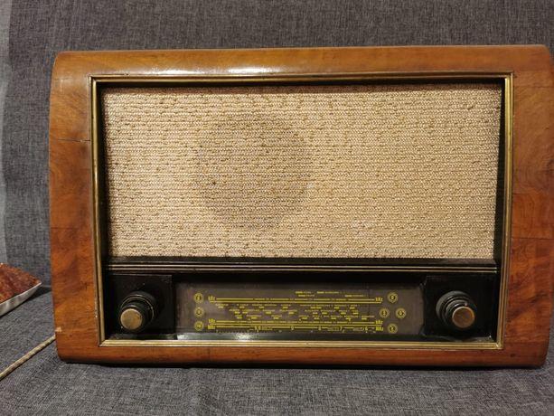 """Sprzedam radio lampowe """"KUJAWIAK"""""""
