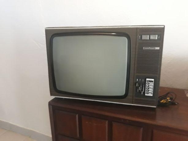 Televisão vintage antiga