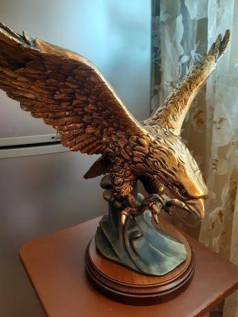 Статуэтка Орел на волне продам
