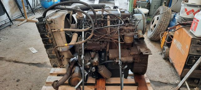 Silnik Perkins Bułgar 4 cylidrowy + osprzęt