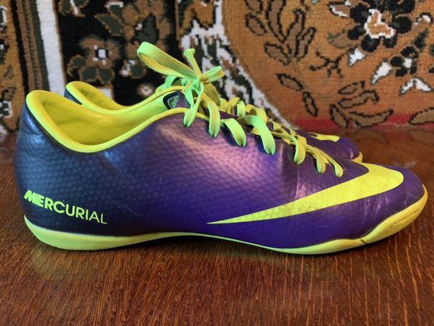 Футзалки Nike Mercurial Victory IV IC | 41 (26 см)