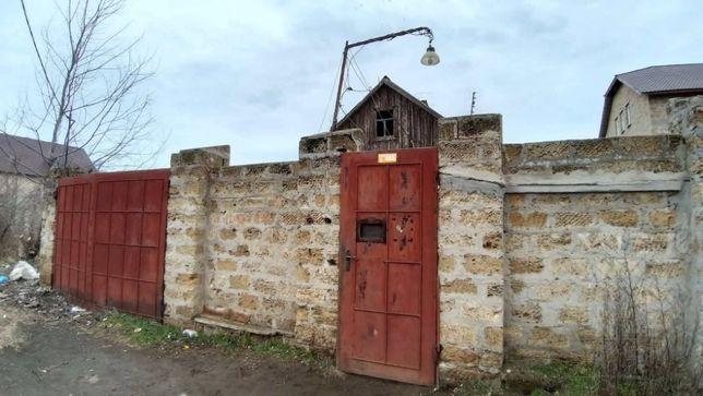 Участок с ветхим строением на Острове (р-н Террасы)