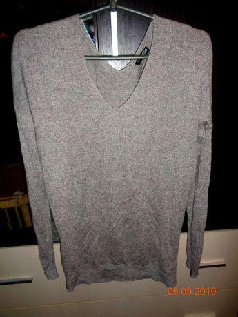 Удлиненный свитерок.