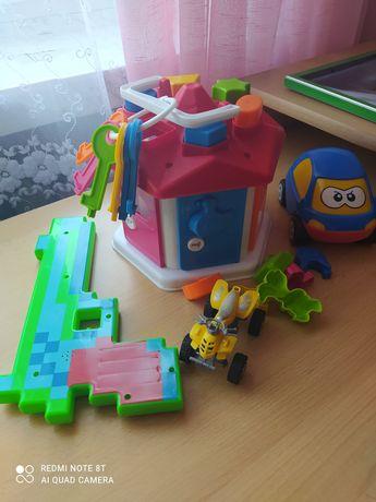 Продам сортер, будиночок, іграшки для малят