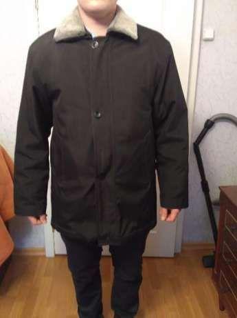 Демисезонная мужская куртка на змейке и пуговицах