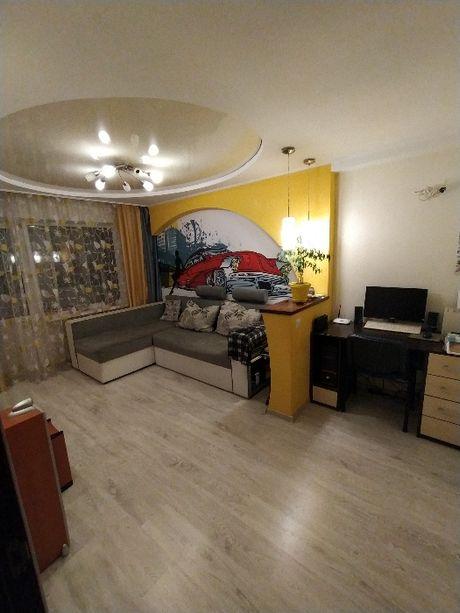 Продам 2к квартиру в Ясиноватой , с Евро-ремонтом и мебелью!!!