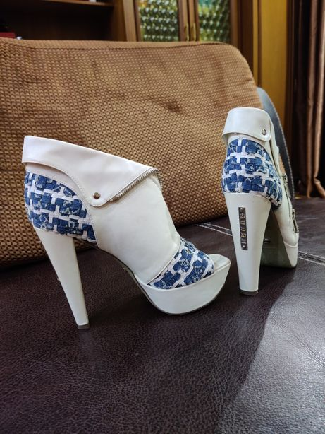 Босоножки, туфли размер 39-40