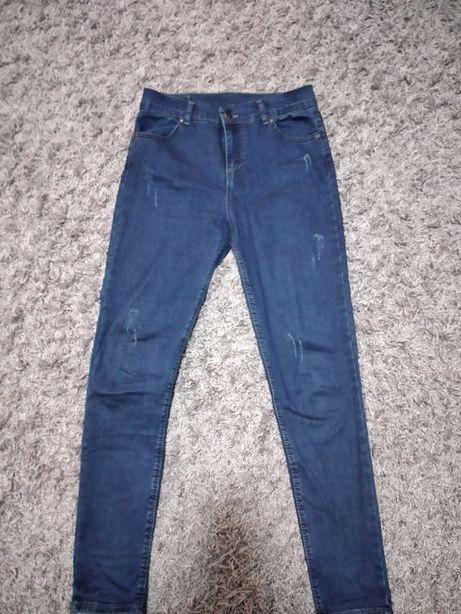 Продам джинси практично нові