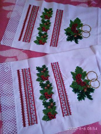 Продам вышитые бисером свадебные полотенца