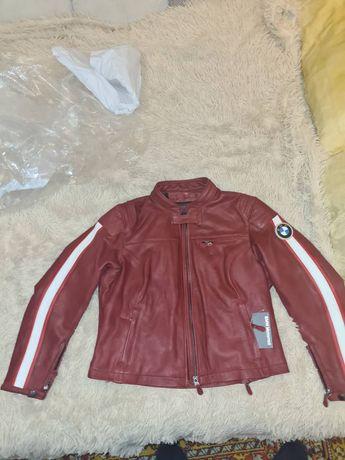 Оригинальная женская кожанная куртка BMW