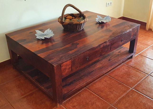 Vendo mesa de centro em madeira rústica