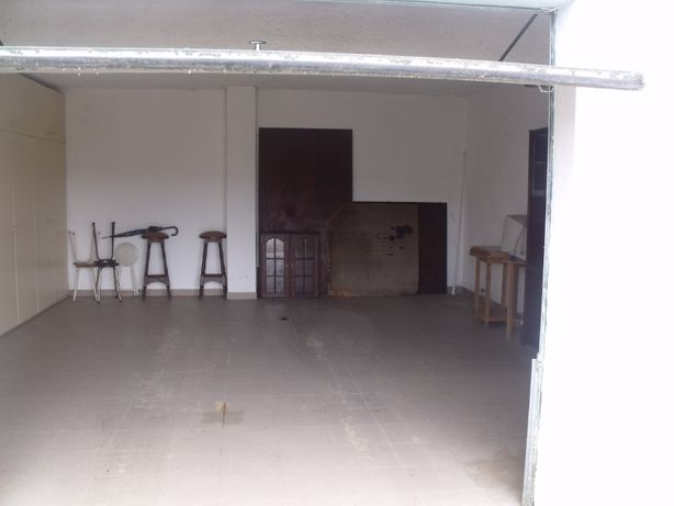 Vendo Garagem BOX com 32m2 a 100mt da Escola Dr Manuel Fernandes