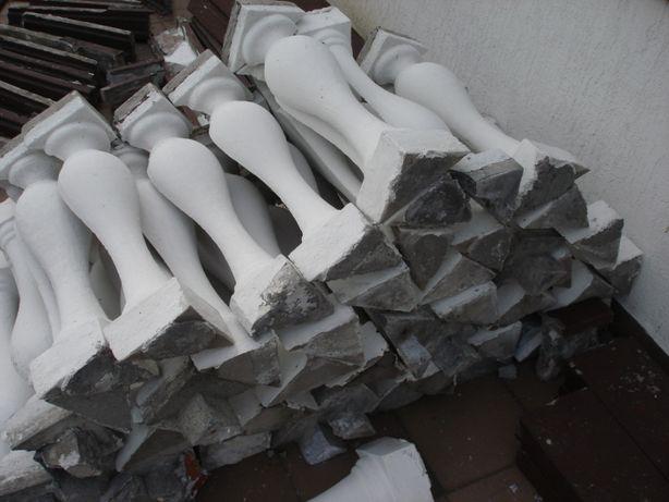 Tralki betonowe, balustrady, słupki po rozbiórce - 65 szt