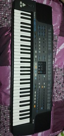 Sintetizador ROLAND E66