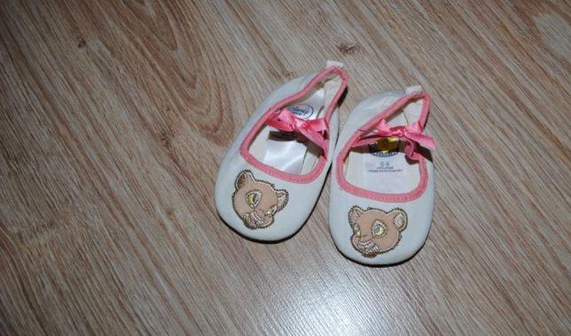 11-> piękne buciki niechodki baletki DISNEY NALA 0-6mca ok 10cm